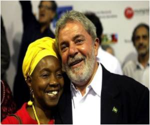 Anti-retroviral Plant in Mozambique Receives a Visit from Brazil's Lula