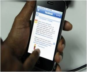 Facebook Affecting Body Image in Teen Girls?