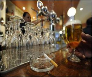 Boozing Habit may Go Up If You Stay Close to a Bar