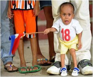 World's Shortest Man Is a Filipino