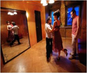 Tango Schools and Dances are Doing Their Rounds in Bucharest
