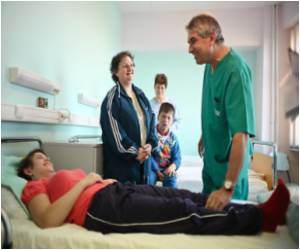 Romanian Doctors Torn Between Emigration and Duty With Low Pay