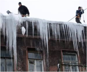 Winter Hazards Battled by St. Petersburg Icicle Patrol