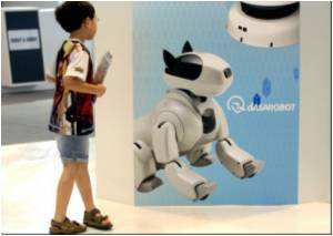 Teaching Kids Using 'Confused' Robots With Repeated Errors