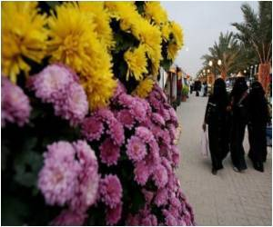 Human Pink Ribbon World Record Claimed by Saudi Women