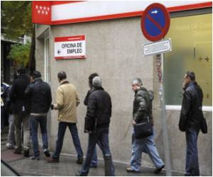Immigrants' Dream of Better Life Ended by Spanish Downturn