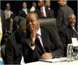 Swazi King Endorses Male Circumcision to Tackle HIV
