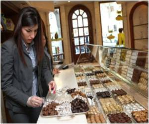 Chocolate Cuts Life-Threatening Risks During Pregnancy