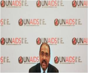 UNAIDS Calls for Lifting Travel Bans on HIV Patients