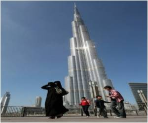 World's Tallest Tower Reopen - Crowds Throng for View of the World