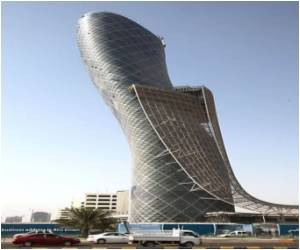 Abu Dhabi's Man-made 'Leaning Tower' Beats Pisa