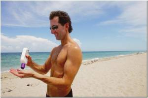 Sunscreen Effective Against Melanoma in Adults