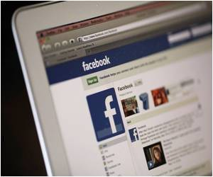 Facebook Sparks a Narcissistic Trend