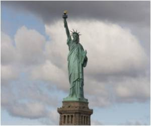 Tourists Baffled as Statue of Liberty Shut