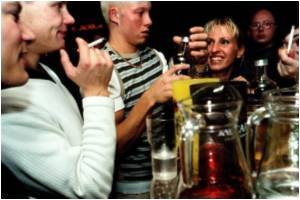 Problems  With  Alcohol Use Less Likely in Religious  Teens