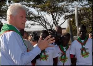 Clinton Clinches Cheap AIDS Drug Deal for Zambia
