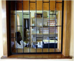 Zimbabwe Faces AIDS-Drug Shortage: Report