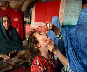 Polio Vaccinations on the Afghan-Pakistan Border