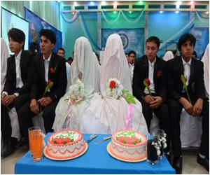 Young Afghans Turn to Low-Cost Mass Weddings Due to Cash Crunch