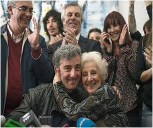 Argentines Question Past Following the Finding of Stolen Grandson