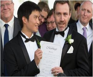 First Gay Marriages in Australia Conducted Even Before Court Ruling