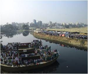 Islamic Festival Begins in Bangladeshi Capital