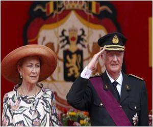 More Modern Monarchs Choose Not to Rule Until Death