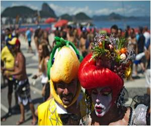 Some Politics in the Mix of Rio Gay Pride March