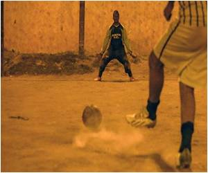 Sao Paulo Slum Kids Throw Down World Cup Gauntlet