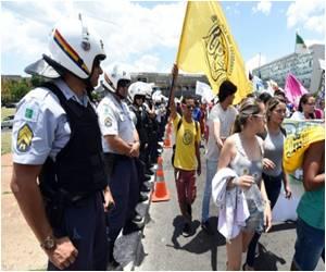 Eduardo Cunha's Bill Restricting Brazil Abortions Inspires Anger Among Women