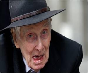 On 50th Anniversary Great Train Robber Biggs Defiant
