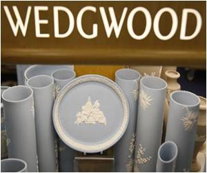 Private Donations Save Wedgwood Pottery Collection in Britain