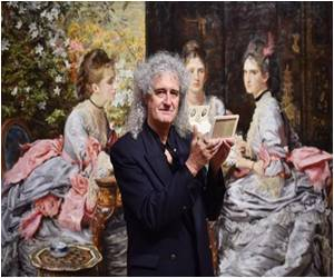 Queen Guitarist Launches Exhibition of Victorian 3D Photos