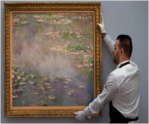 "Monet's ""Water Lilies"" Fetches $54 Million"