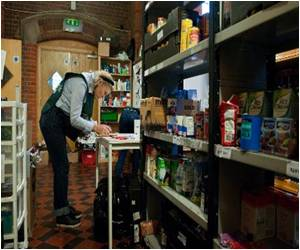 Food Aid Becomes a Way of Life For Britain's Poorest, Cameron Rejects Claim