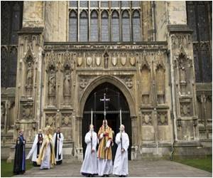 A Yes Vote to Allow Female Bishops by Church of England