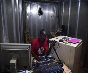 Radio's Rare Voice for Peace in C.Africa, 'One Heart'