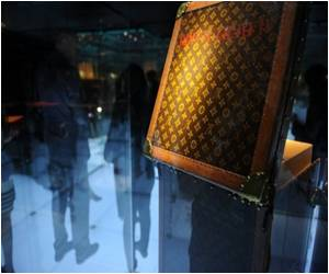 Survey Says Chinese Buying More Luxury Goods at Home