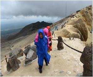 South Koreans Trek to China to See Their Spiritual Birthplace