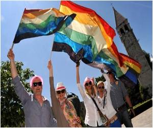Ministers, Mayor Participate in Gay March in Croatia