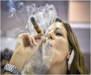 Cuba's Longest Unbroken Ash Involves Some 200 Smokers