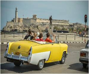 Ties Between Cubans and Cuban Americans Grow With the Help of Trade and Travels