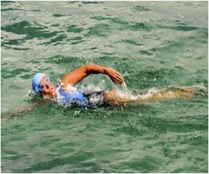 Edging Toward Florida in Cuba-US Crossing Is Veteran US Athlete Diana Nyad