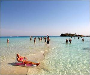 Cyprus Tourism Revenues Go Down by 14.5% in March