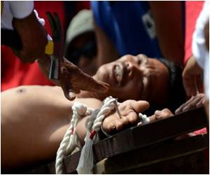 Church Disapproval Does Not Stop Catholic Zealots in Philippines from Carrying Out Easter Ritual of Mock Crucifixions