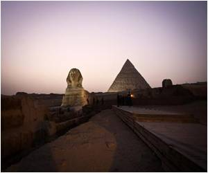 Egypt Decides to Allow Tourists to Sphinx Area Again