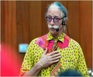 'Patch Adams' and Humor Therapy
