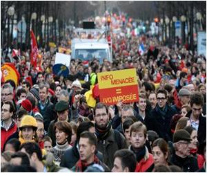 Thousands Gather to Protest Against Abortion in Paris