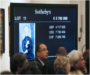 Modigliani's Painting of His Patron Fetches 13.5 Million Euros in Paris Auction