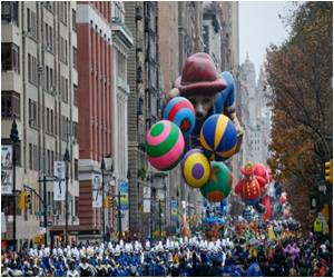 New York Excited for Thanksgiving Day Parade Despite Fears About Terrorism